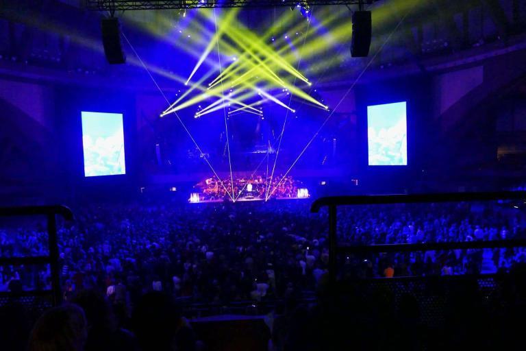 Koncert we Wrocławiu z laserami