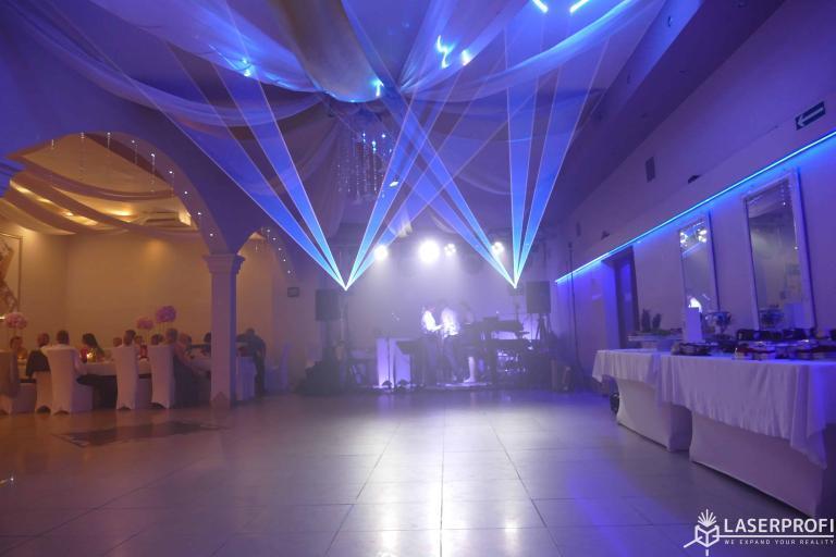Niebieskie lasery na weselu