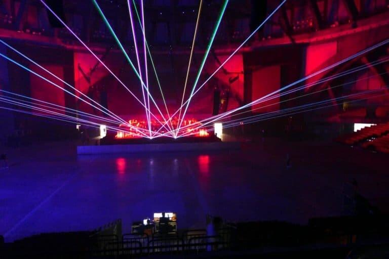Pokaz laserów na koncercie w Hali Stulecia