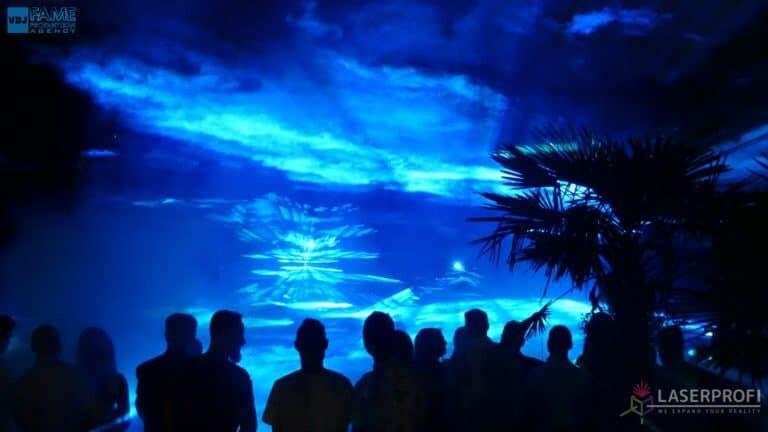 Pokaz laserów na weselu grudziądz plaża efek przestrzenny niebieski