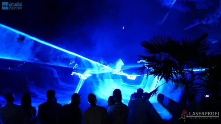 Pokaz laserów na weselu grudziądz plaża niebieski pokaz