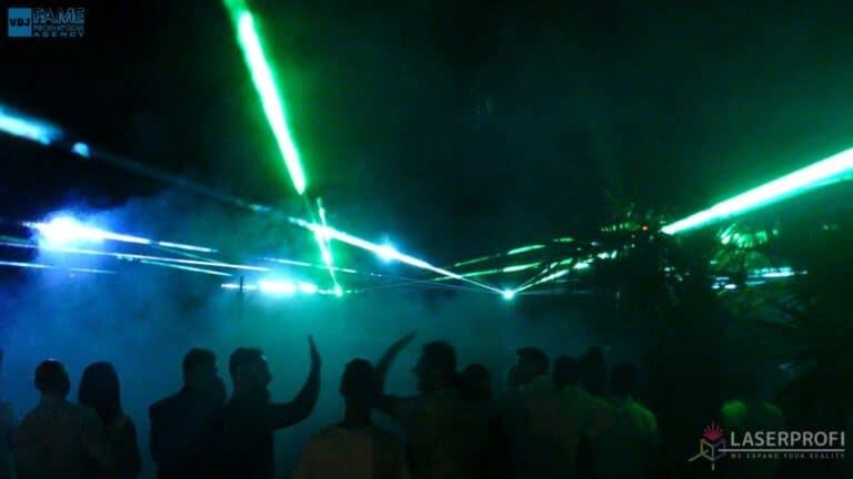 Pokaz laserów na weselu grudziądz plaża wiązki laserowe zielone