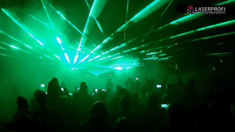 Pokaz laserow Czaplinek zielone wiazki