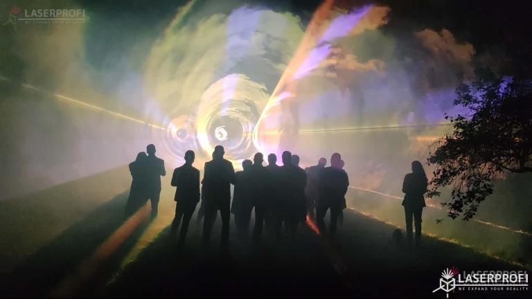 Pokaz laserów na 60 urodziny - tunel laserowy