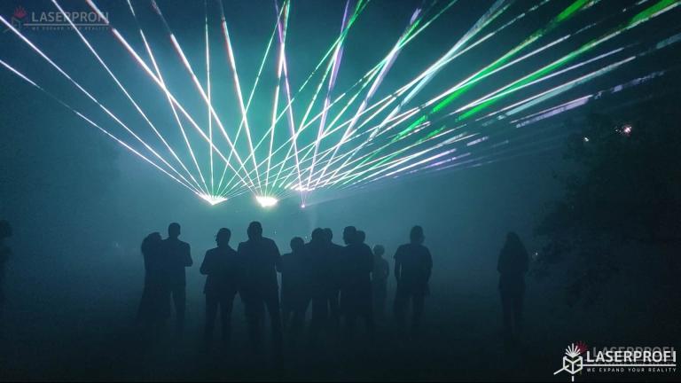 Pokaz laserów na 60 urodziny - wachlarz laserowy