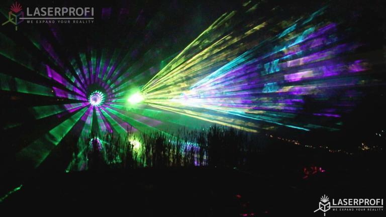Pokaz laserów oranżeria