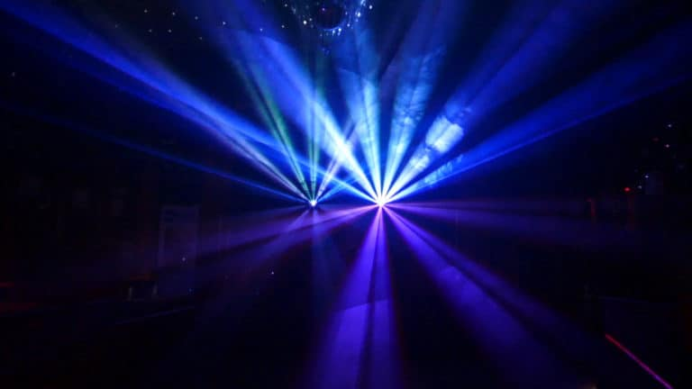 Pokaz laserów przestrzenny