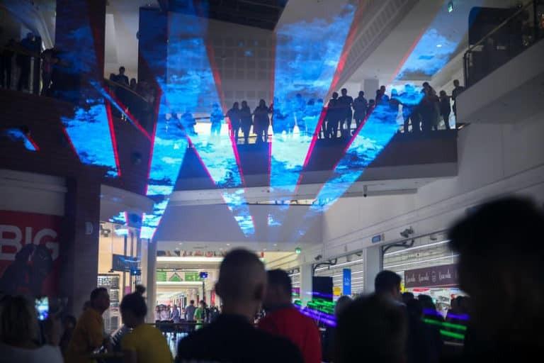Pokaz laserowy na żywo w galerii Bonarka