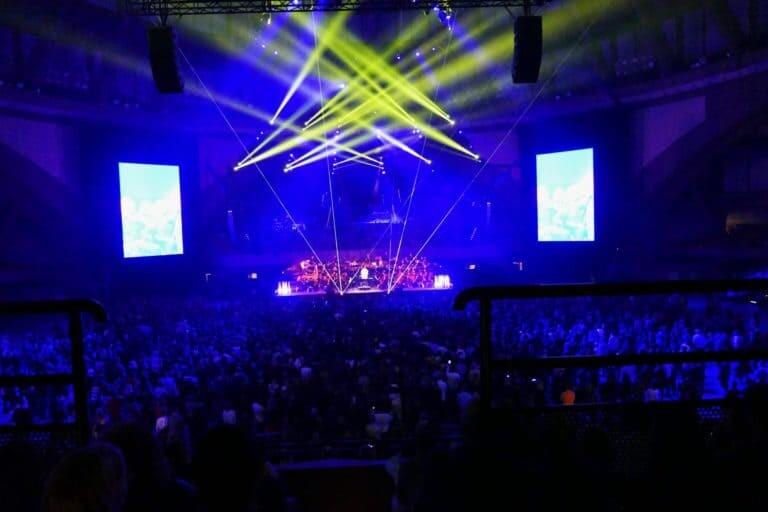 Pokaz laserowy na koncercie-Radzimir Wrocław Hala Stulecia