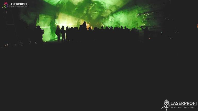 Pokaz laserowy przestrzenny - laserowy tunel żółty