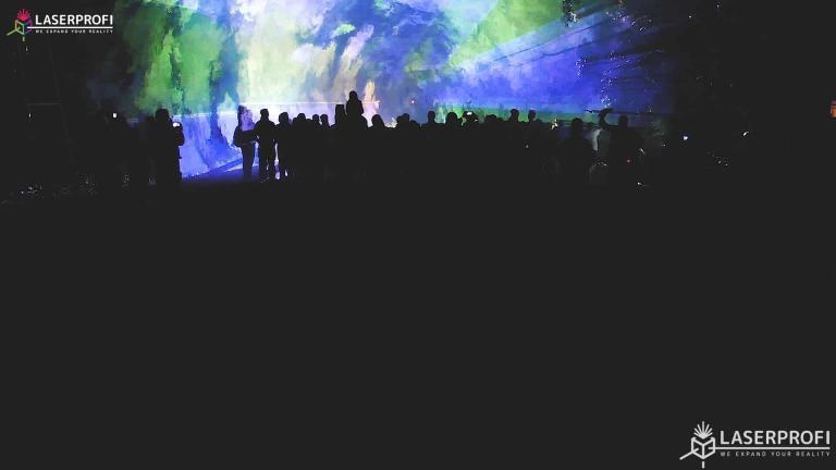Pokaz laserowy przestrzenny - lasery