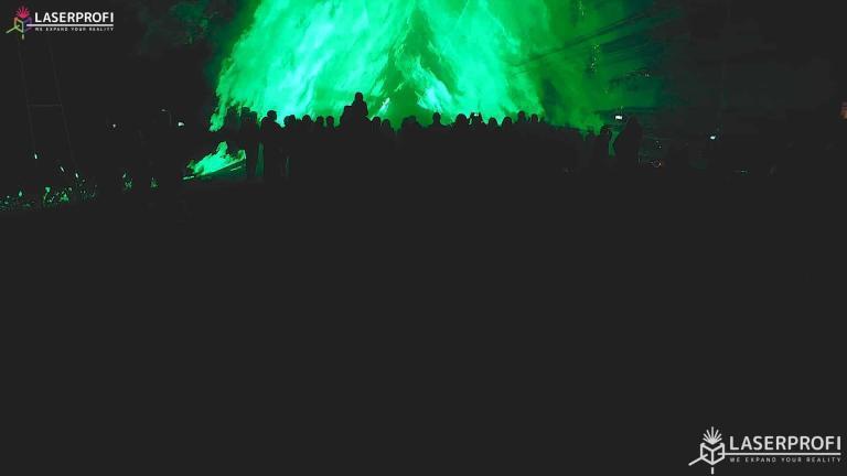Pokaz laserowy przestrzenny - zielony tunel laserowy