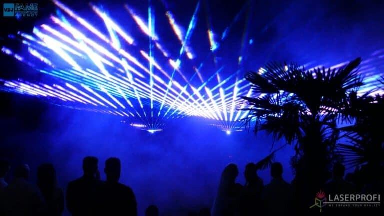 Pokaz laserowy wesele grudziądz plaża blue laser fan
