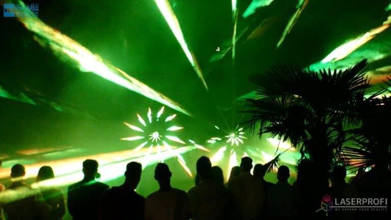 Pokaz laserowy wesele grudziądz plaża laserowe wiązki zielone