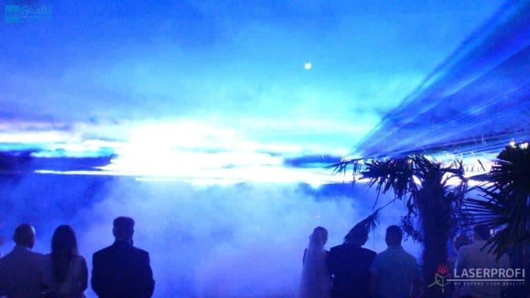 Pokaz laserowy wesele grudziądz plaża niebieska ściana z laserów