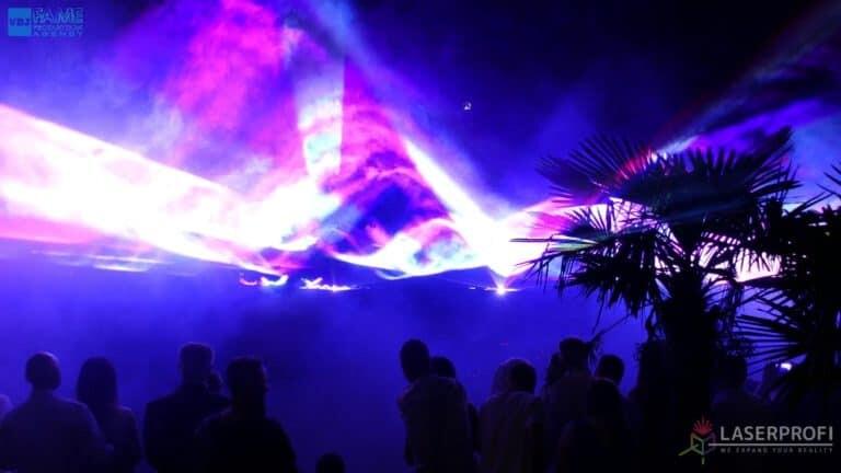 Pokaz laserowy wesele grudziądz plaża płynne niebo z laserów