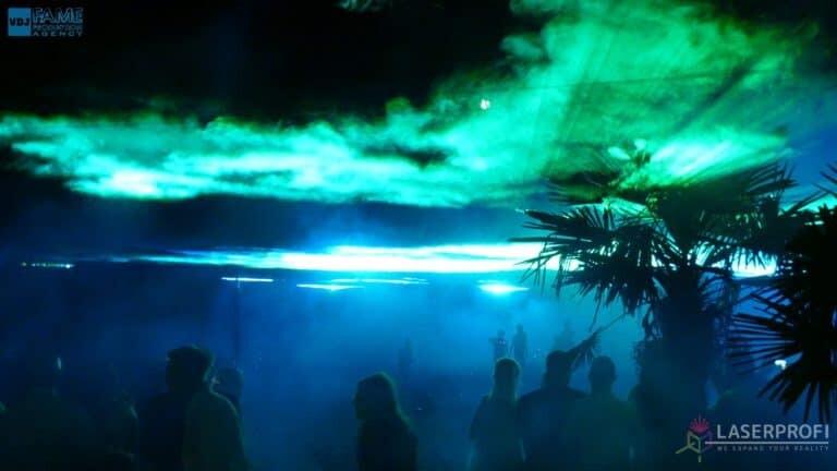 Pokaz laserowy wesele grudziądz plaża zielone płynne niebo z laserów