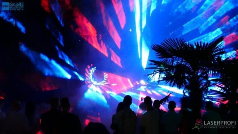 Pokazy laserów wesele grudziądz plaża przestrzenny tunel laserowy