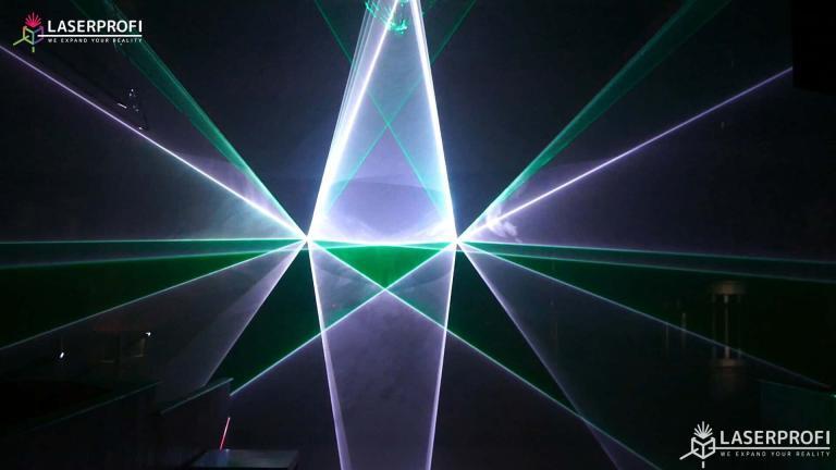 Przestrzenny pokaz laserowy figury laserowe