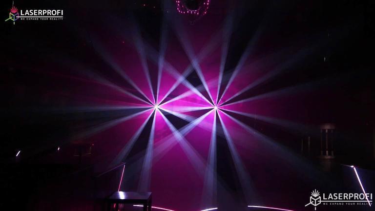 Przestrzenny pokaz laserowy różowy tunel laserowy