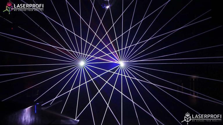 Przestrzenny pokaz laserowy wachlarz laserowy