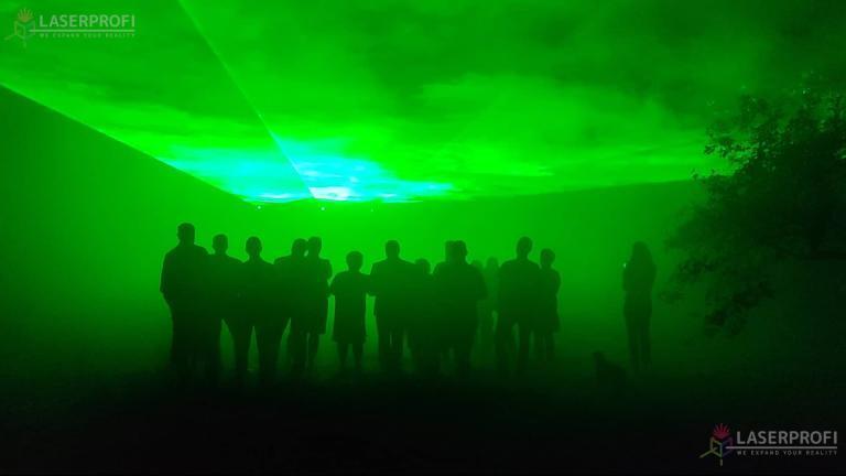 laserowy plaszcz zielony na 60 urodziny