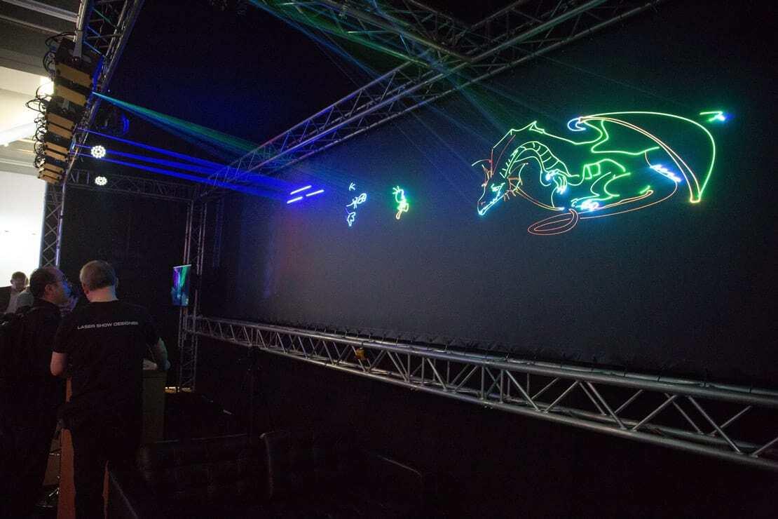 pokaz laserowy graficzny na targach w niemczech