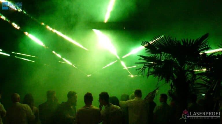 pokaz laserowy na weselu wiązki zielone