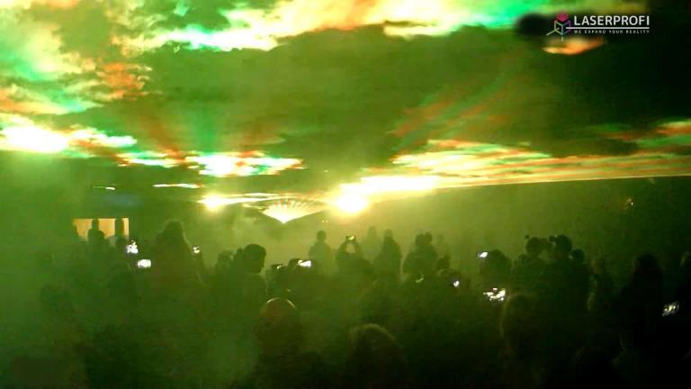 pokaz laserowy strefa artystycznego relaksu