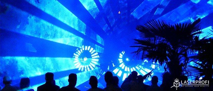 pokazy laserowe tunel przestrzenny