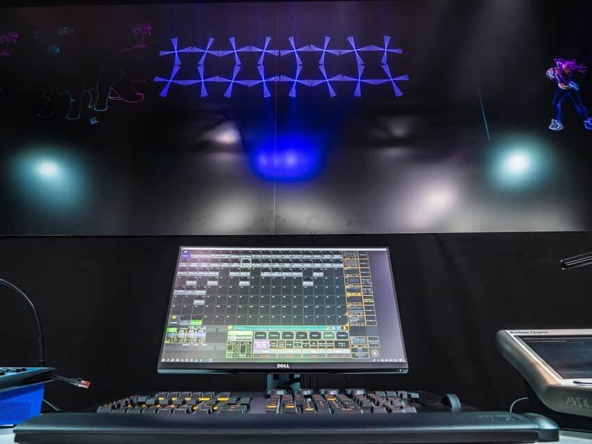 serwis projektorow laserowych