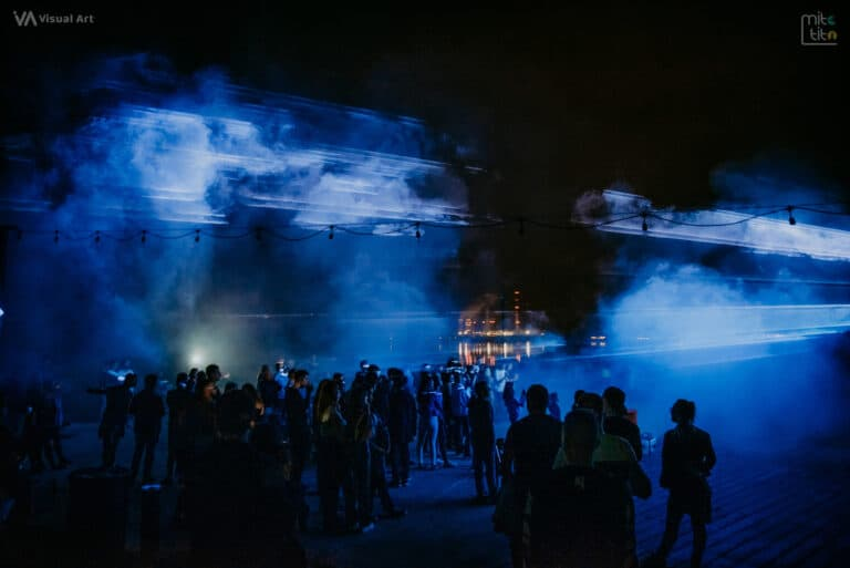 wiązki laserowe niebieskie pokaz w Rybniku
