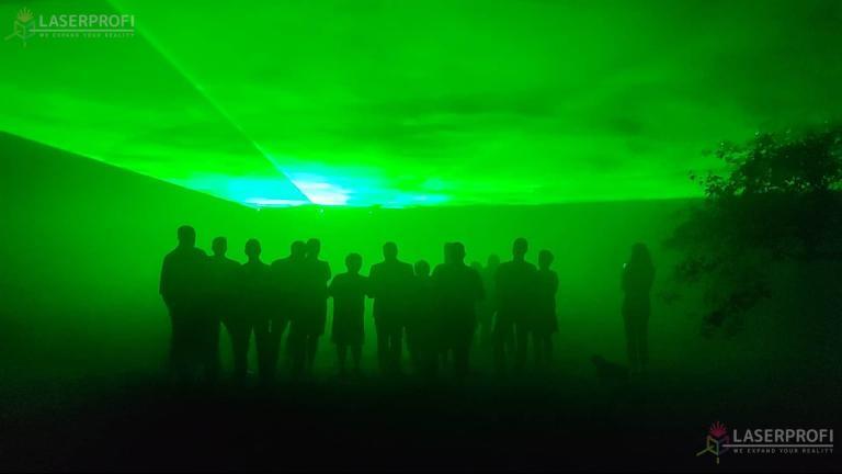 zielone lasery urodziny